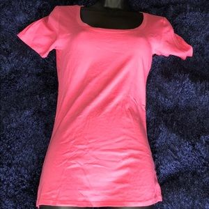 Basic short-sleeve pink t-shirt